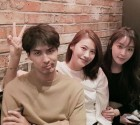 """정유미X유인영X김지석, 비주얼 배우들의 훈훈한 친분샷...""""김지석만 뾰로통?"""""""