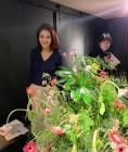 """김재경, 꽃밭에서 꽃핀 그녀의 꽃미모 """"모든 것이 예쁘다"""""""