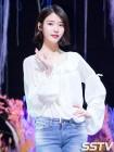아이유, 8월 여자 광고모델 브랜드평판 1위…에이핑크 손나은·레드벨벳 아이린·박보영·홍진영 TOP5