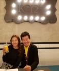 '태진아 카페' 이태원 핫플 등극 '안성기부터 워너원까지' 문전성시