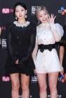 트와이스 나연, 다현 '흑과 백의 패션은 달라도 예쁜 애 옆에 예쁜 애' (2018 마마 일본)