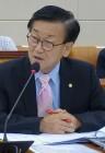 대리수술 의사 '면허취소+10년간 재교부 금지' 추진