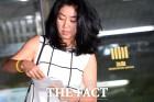 """김부선, 경찰조사 하루 앞두고 심경글 """"미련없이 이 나라 떠난 내 딸 한없이 부럽다"""""""