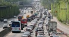 고속도로 교통상황, 휴가시즌에 엉금엉금…정오 무렵 절정