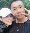 송혜교 근황 공개, 흰색 모자 쓴 수수한 패션으로 동안美 완성…송중기는 어디에?