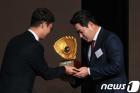 2018 골든글러브 4관왕 두산베어스 '해체' '매각' 거론되는 이유는?…김재환·양의지니퍼트· 때문?