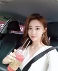 """황미나 기상캐스터, """"제일 좋아하는 수박주스"""" SNS 사진 화제"""