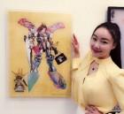 팝아티스트 낸시랭, 자신의 작품 앞에서 '스마일'