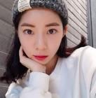 """정겨운 아내 김우림, """"피곤한 금요일.."""" 상큼함 톡톡 터지는 미모 화제"""