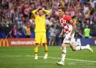 '4골 화력쇼' 프랑스, 크로아티아 꺾고 20년 만에 월드컵 우승