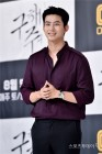 """옥택연, JYP 떠나 소지섭과 한솥밥 """"2PM 활동은 계속"""""""