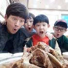 '아빠본색' 박지헌, 감자탕 집에서 아들 셋과 함께 '유쾌한 가족'