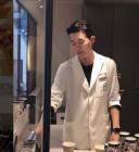 등장부터 시선 강탈…'로맨스 패키지' 104호, 가운 입은 모습 공개