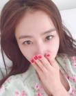'마이크로닷♥' 홍수현, 핵미모 과시하는 침대 셀카…'마닷이 반할만하네'