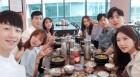 """'로맨스 패키지' 108호 모에카, 단체사진 공개…""""절대 잊지 못할 거예요"""""""