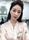 김사랑, 가을 메이크업 소화력 200%…'김러브 is 뭔들'