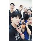 """'댄싱하이' 호야, 팀원들과 함께…""""My new family♡"""""""