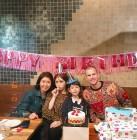 """영화 '창궐' 매튜 다우마, 딸 전소미-에블린-아내와 생일파티...""""HAPPY BIRTHDAY"""""""