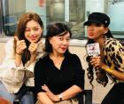 최화정, 문가비x위키미키 김도연과 찍은 인증샷…'나이 가늠할 수 없는 동안美'