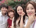 """'하현우 ♥' 허영지, 언니 허송연-부모님과의 가족 사진...""""'엄마 나 왔어' 본방사수!"""""""