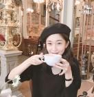 '죽어도 좋아' 백진희, 해외에서 즐기는 커피 한 잔...'윤현민이 반한 청초함'