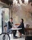 뮤지컬 배우 김소현♥손준호, 우아한 분위기 자아내는 모습 공개…'8살 연상연하 부부의 비주얼'
