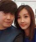 민영기♥이현경 부부, 꼭 붙어서 행복한 셀카…꿀 떨어지는 연상연하 커플