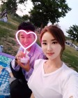 '김종민♥' 황미나 기상캐스터, 수줍음 가득한 과거 데이트 현장…'두 사람의 나이차이부터 공개열애까지'