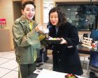 최화정, 김호영에게 선물받은 생일선물 인증샷…올해 나이는?