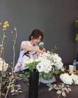 '왜그래 풍상씨' 이시영, 화상이는 꽃꽂이 중…'드라마 줄거리는?'