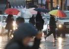 '쌀쌀한' 토요일…천둥·번개 동반 비·눈에 우박까지