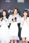 팬케이크, 트와이스·아이즈원 'MAMA' B컷 사진 공개