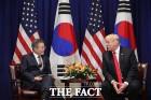 """美 방위비 분담금 '10억 달러' 압박…韓 """"1조 원 이상 안 돼"""" 난색"""