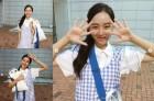 '서른이지만 열일곱' 신혜선, 결방 속 여신 미소 현장 스틸…파란색 체크무늬 원피스 어디 제품?