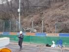 부산 지하철 공사현장 인근 승학산 산비탈 무너지고 도로 균열... '전면 통제'