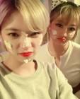 트와이스 지효X정연, 생크림이 묻어도 예쁨 폭발 '어메이징'비주얼