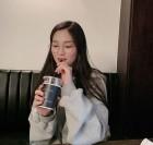 """김혜윤, 커피 마시는 모습도 귀여워... """"같이 마실래요?"""""""