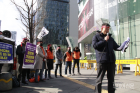 "SKT, 합병 보안업체 차별 논란…NSOK노조 ""이중적 급여‧인사정책 분노"""