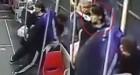 버스에서 소녀 성폭행하려는 '변태남' 보고도 모르는 척 무시해버린 승객들