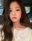 블랙핑크 제니, 트와이스 지효·아이즈원 장원영 제쳤다… 모모·미야와키 사쿠라 뒤이어