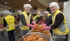 동서식품, 지역 어르신 위해 '김장 봉사' 진행
