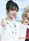 트와이스 정연, 러블리한 손가락하트'가온차트'